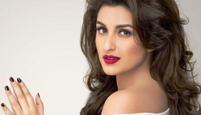 Parineeti Chopra beauty tips,skincare,beauty secret,annimadi.com, nail care,hair care,exercise,aloe vera gel,aloe vers juice